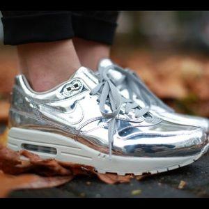 Nike liquid silver air max sz8